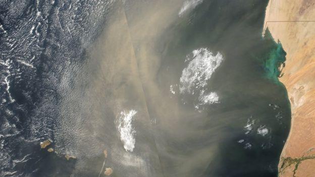 Nube de polvo entre Senegal y Cabo Verde.
