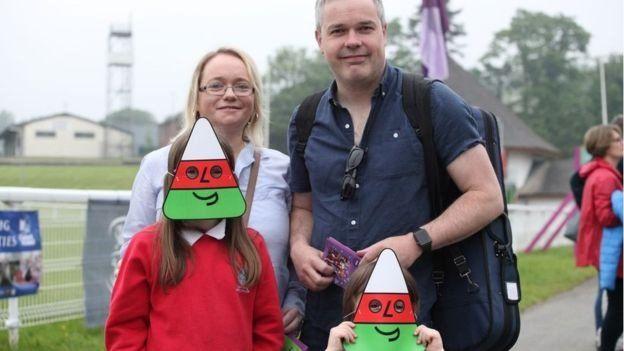 Teulu yn Eisteddfod yr Urdd 2018