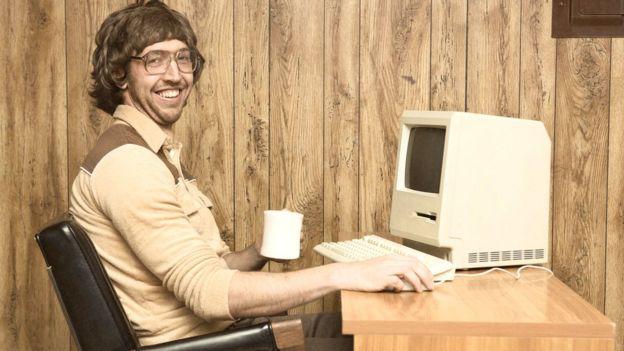 Imagen de una computadora personal en 1980.