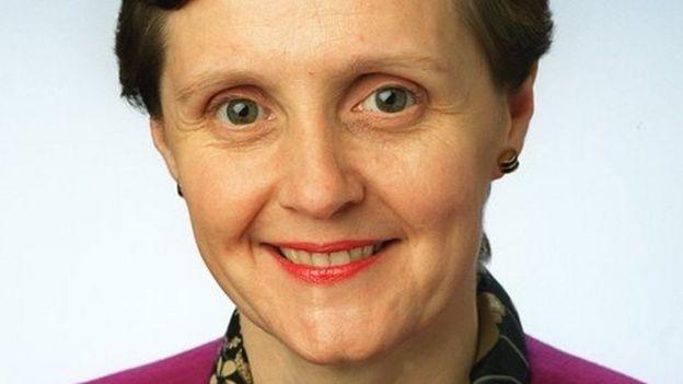 EU embalming fluid ban 'to change funerals' - BBC News