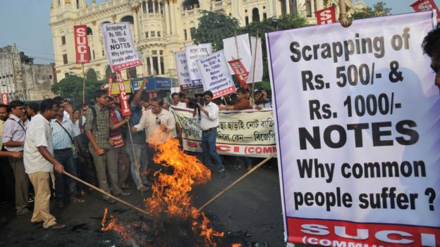 Protest in city of Kolkata against withdrawal of bank notes