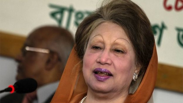 Bangladesh opposition leader Khaleda Zia speaks during a press conference in Dhaka on February 7, 2018.