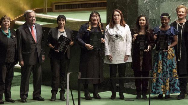 Joênia Wapichana recebe prêmio de direitos humanos da ONU
