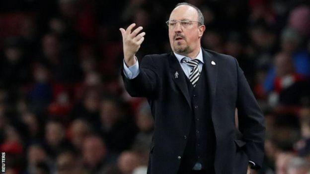 Meneja wa Newcastle Rafael Benitez kulipwa £50m kila mwaka , kabla ya mauzo ya mchezaji , kama atakubali kusaini mkataba mpya