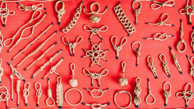 Gerçek hayattaki düğümler gibi matematiksel düğümler de birbirinden farklı olabiliyor
