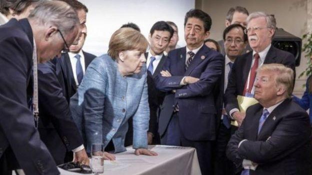 Дональд трамп в окружении лидеров большой семерки