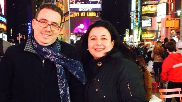 الصحفي المغربي توفيق بوعشرين وزوجته
