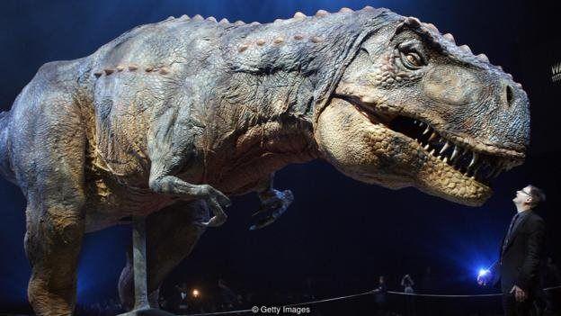اگر دایناسورها منقرض نشده بودند، ممکن بود که امروز بتوانیم در پارکهای ملی و مناطق حفاظت شده تیراناسوروسهای غولپیکر را از نزدیک ببینیم