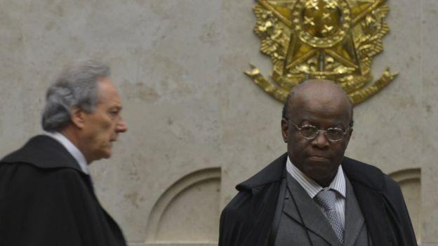 Ricardo Lewandowski e Joaquim Barbosa durante julgamento do mensalão