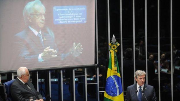 Collor discursa em sessão de homenagem a Itamar Franco em 10 de agosto de 2011