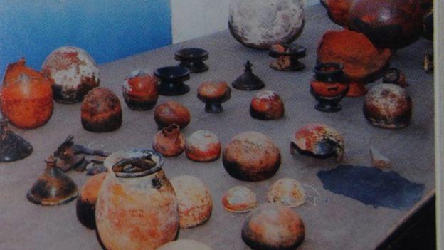 ஆதிச்சநல்லூரில் எடுக்கப்பட்ட பொருட்கள் நெல்லை அருங்காட்சியத்தில் உள்ளன.