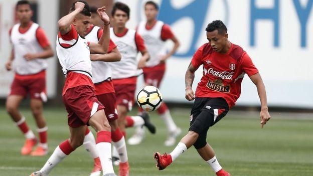 Perú entrenando