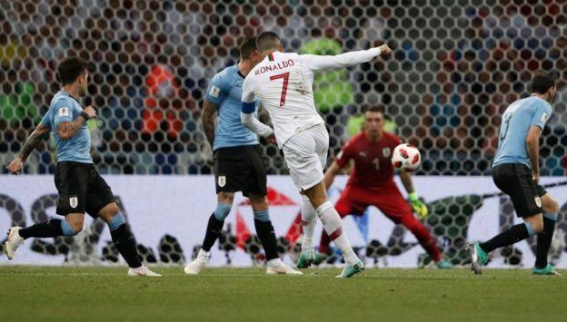 El primer disparo del partido estuvo a cargo de Cristiano Ronaldo.