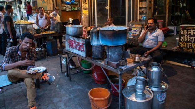 印度的阿玛尼粉底街头小吃摊