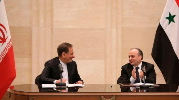 Suriye Başbakanı İmad Hamis (sağda) ve İran Cumhurbaşkanı Yardımcısı İshak Cihangiri enerji anlaşmaları imzaladı (28 Ocak 2019)