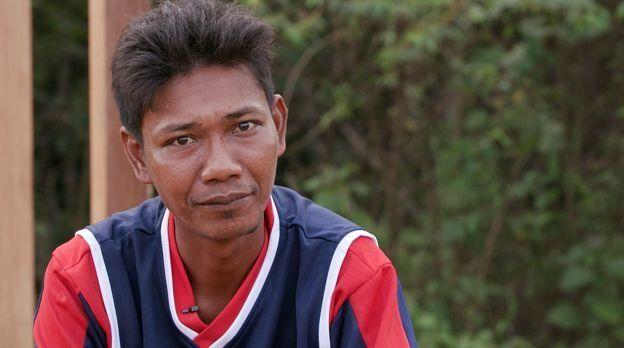 حقيقة خبر إجبار شعب الأورانج ريمبا في اندونيسيا على الدخول في الإسلام ! _98798437_96a13c0a-8