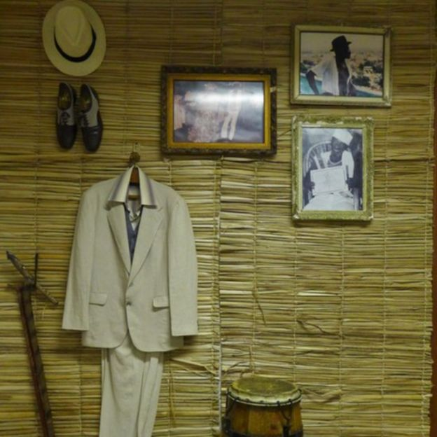 Fotos na parede do imóvel