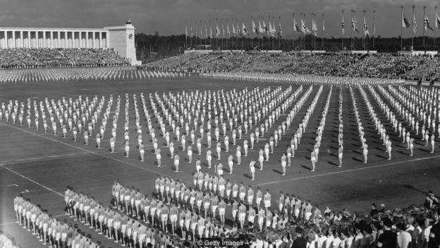 رژه سربازان نازی در نورمبرگ