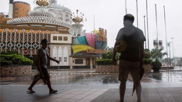 澳門賭場一度暫停營業,但周一已經重新開放。