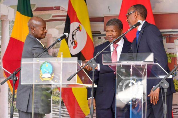 Perezida Museveni na Kagame i Luanda bumvikanye kurangiza ibibazo
