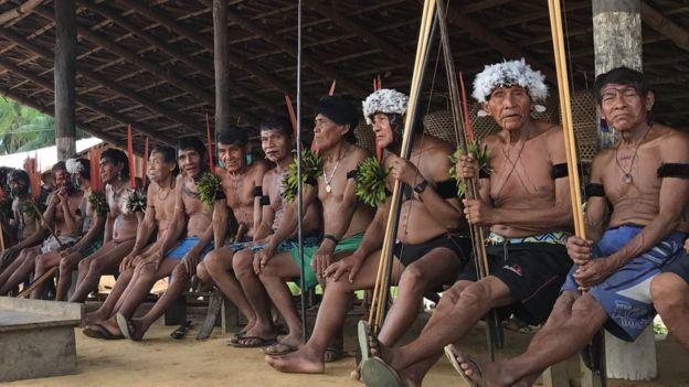 Indígenas do povo Yanomami, na fronteira do Brasil com a Venezuela