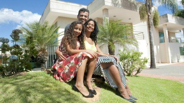 Mônica com o marido Carlos e a filha Letícia