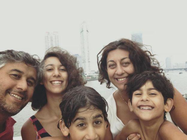 Luis Recabarren junto com a família