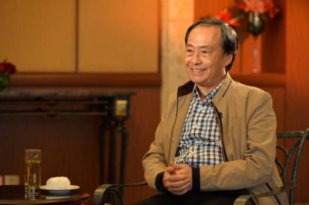 Screengrab of image of Lee Bo in 29 February 2016 television interview with Phoenix TV, as posted on Phoenix TV's website