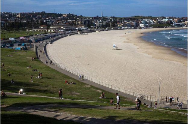 当局下令邦迪海滩周日继续关闭