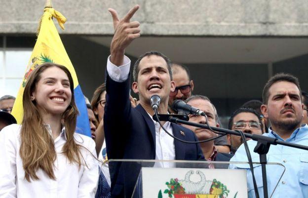 Juan Guaidó, su esposa y Stalin González