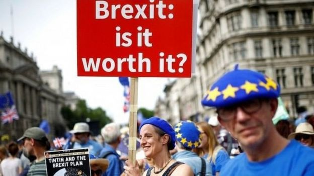 İngiltere'de ikinci Brexit referandumunu isteyenler