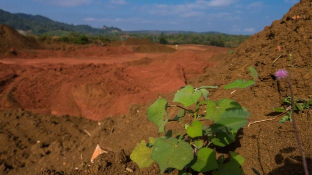 Bauxite in Malaysia: The environmental cost of mining - BBC News