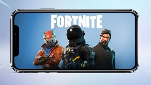 Fortnite Drake And Ninja S Twitch Battle Gets Huge Crowd Bbc News