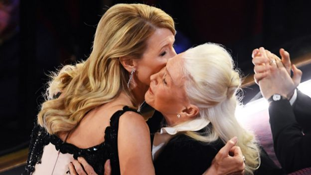 Laura Dern is congratulated by her mother, fellow Oscar nominee Diane Ladd