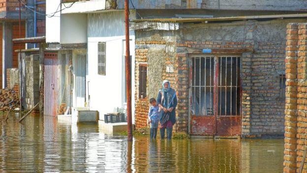 آبگرفتگی در برخی مناطق سیلزده همچنان ادامه دارد