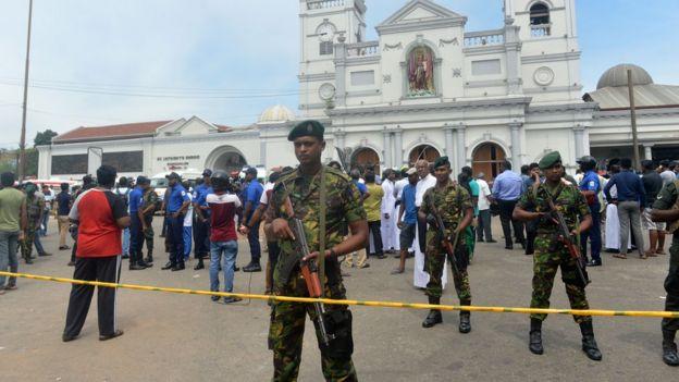 بیش از ۱۳۰ نفر در موجی از حملات در سریلانکا کشته شدند