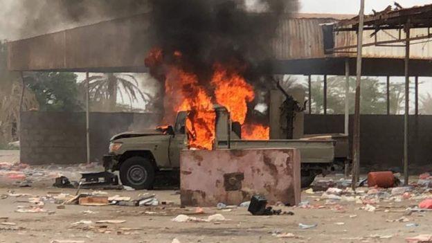 الإمارات ترحب بأنباء تفيد بقبول الحوثيين الانسحاب من ميناء الحديدة