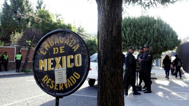 Condena Díaz-Canel operativo policiaco contra embajada de México en Bolivia