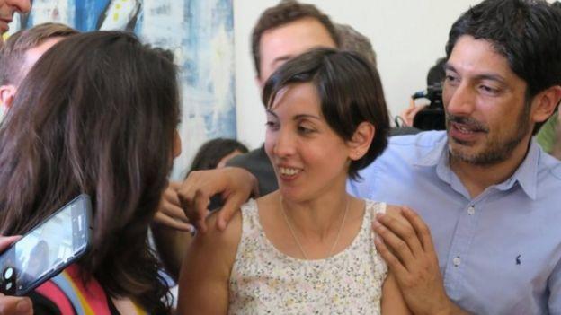 Adriana durante la conferencia de prensa en Buenos Aires.