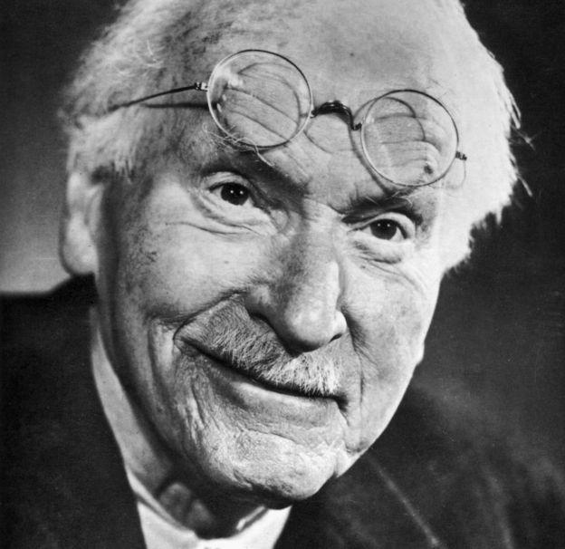 Carl Jung en 1960, un año antes de morir.
