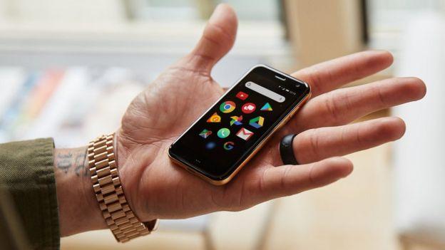 هل أنت جاهز للتخلي عن هاتفك المحمول؟