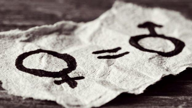 Símbolos femenino y masculino.