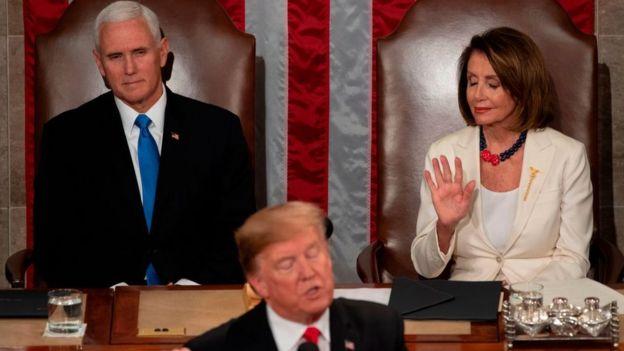 Trumo, Pelosi y Pence