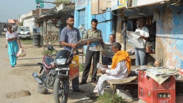அழகான இடங்களை கொண்டுள்ள ஜம்மு காஷ்மீர், சர்ச்சைக்குரிய கடந்த காலத்தை கொண்டுள்ளது.