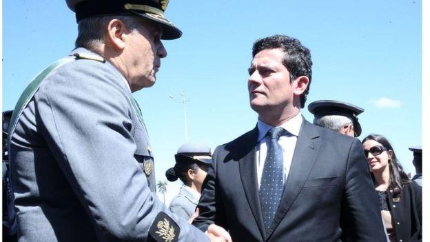 Sérgio Moro participa de cerimônia do Dia do Exército