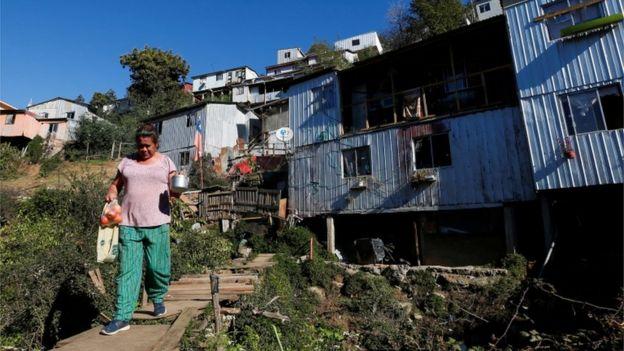 Bairros mais pobres no Chile foram os mais afetados pela pandemia.