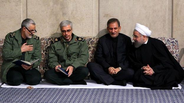 Kasım Süleymani, İran Ordusu Genelkurmay Başkanı Muhammed Bagiri, İran Cumhurbaşkanı Yardımcısı İshak Cihangiri ve İran Cumhurbaşkanı Hasan Ruhani