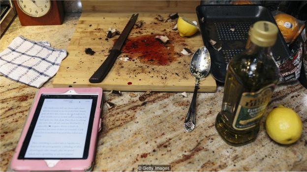 cozinha com celular