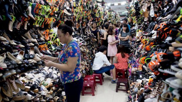 Người tiêu dùng Việt Nam vẫn chi tiền mua sắm mạnh tay