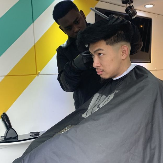Mobile barbering \u0027It\u0027s like Uber, but for haircuts\u0027 , BBC News